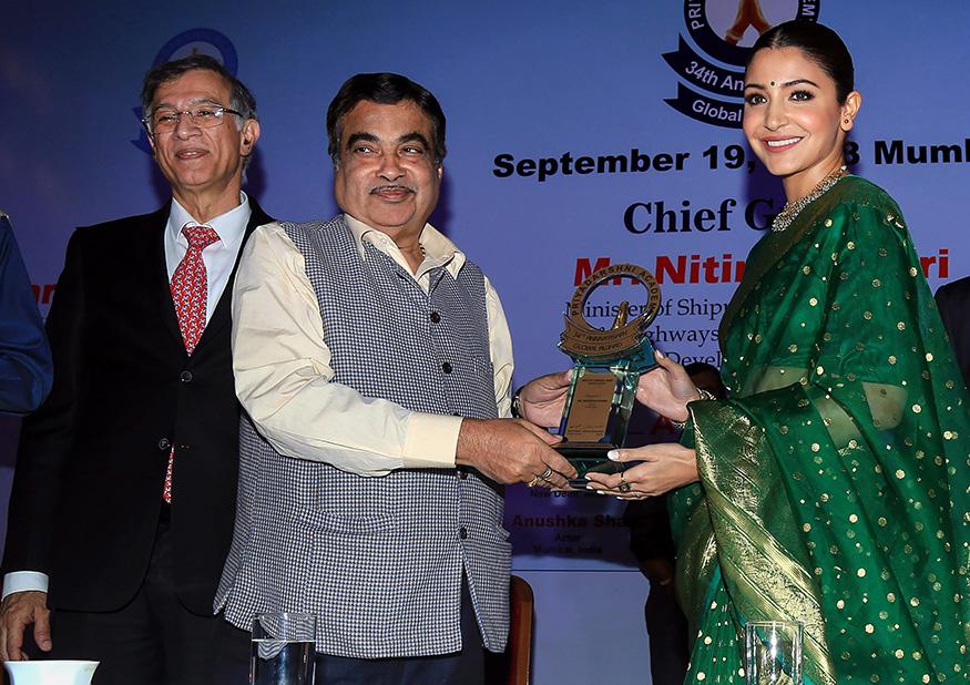 Anushka Sharma Receives Smita Patil Award