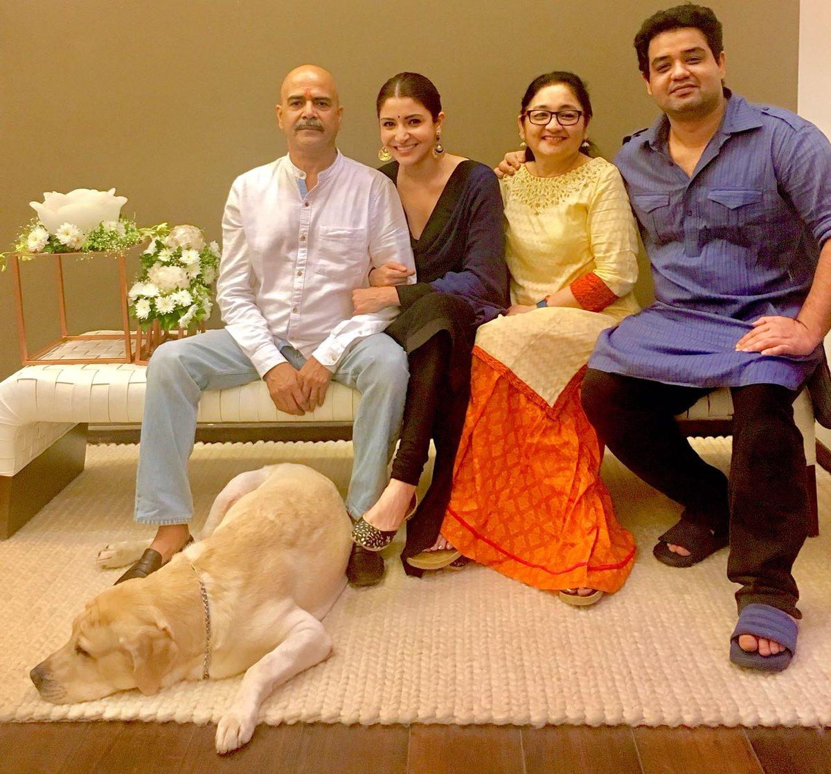 family of anushka sharma