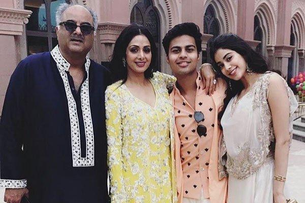family of jhanvi kapoor