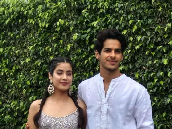 jhanvi with ishaan khattar